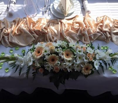 Svadobné dekorácie - Stolovanie a zdobenie sály