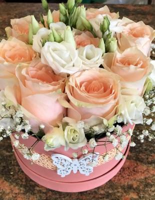 Kvetinový box ruže+lysianthus