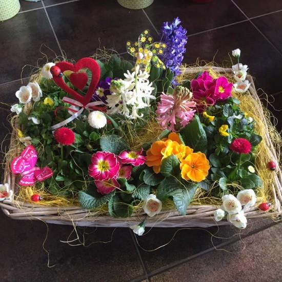 Košík plný kvetov