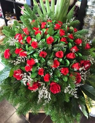 Veniec červené ruže stojaci