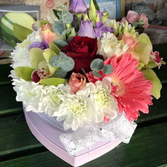 Kvetinový box  mix farieb a kvetov